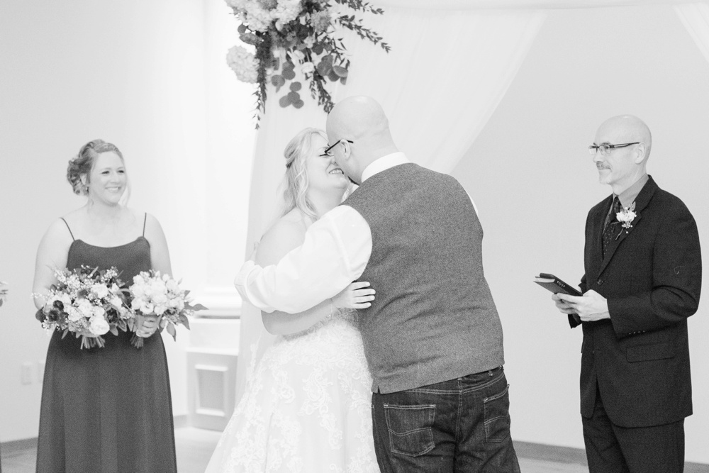 brookshire-delaware-ohio-december-wedding_0086.jpg