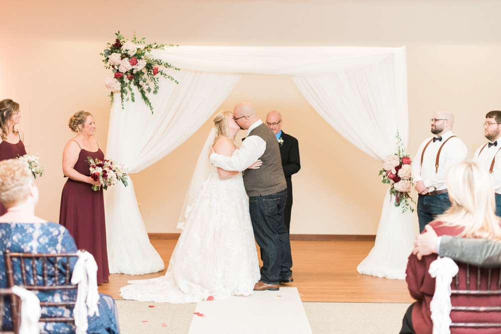 brookshire-delaware-ohio-december-wedding_0087.jpg