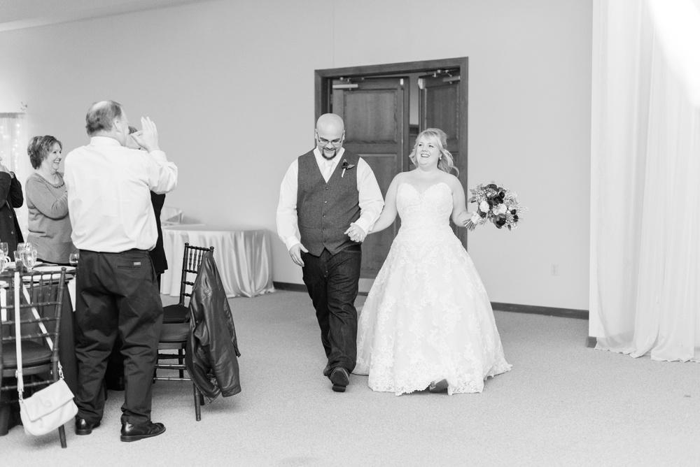 brookshire-delaware-ohio-december-wedding_0101.jpg