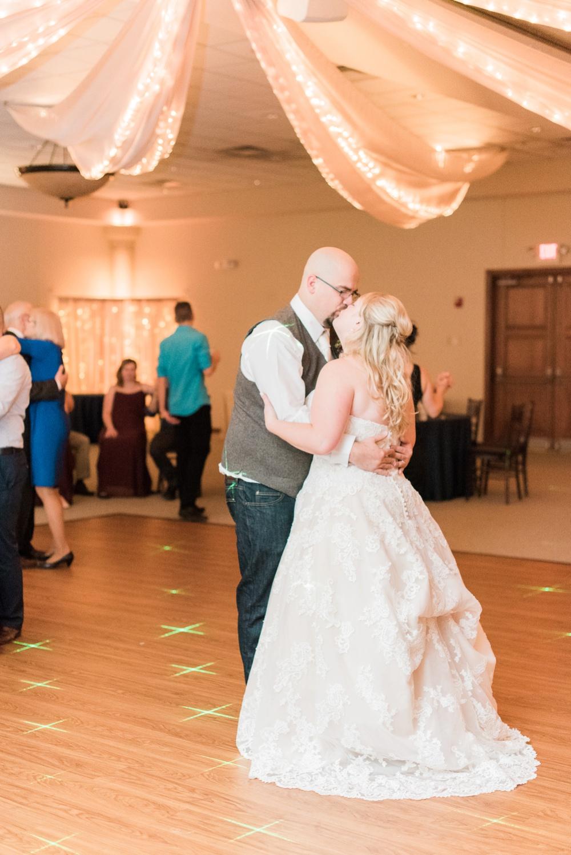 brookshire-delaware-ohio-december-wedding_0111.jpg