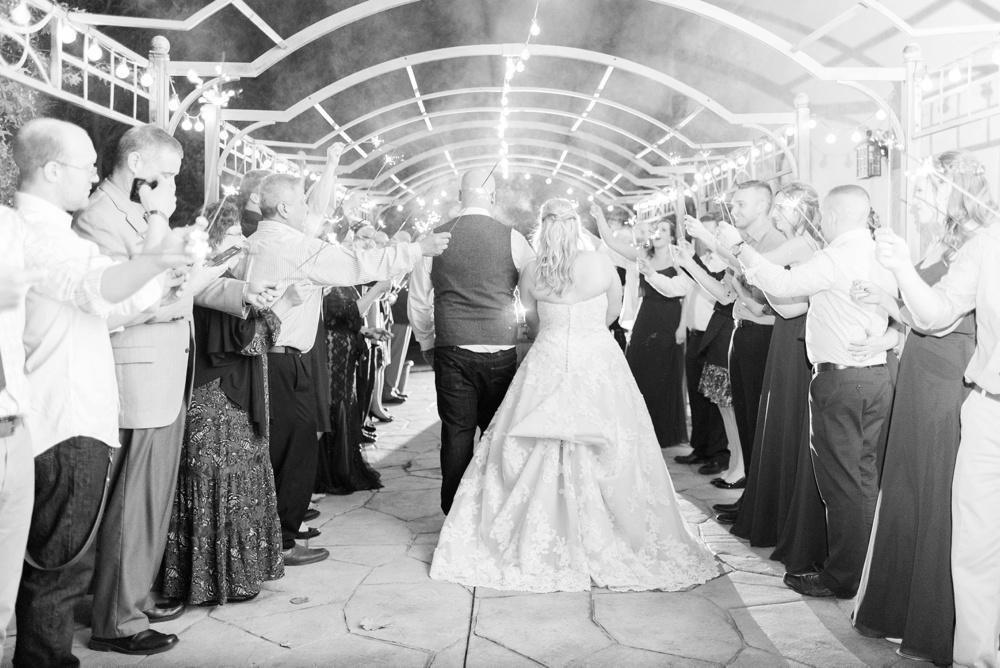 brookshire-delaware-ohio-december-wedding_0112.jpg