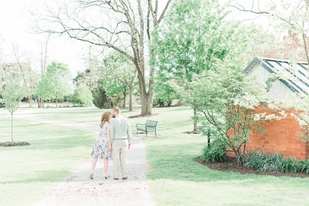 everal-barn-homestead-westerville-ohio-engagement_0012.jpg