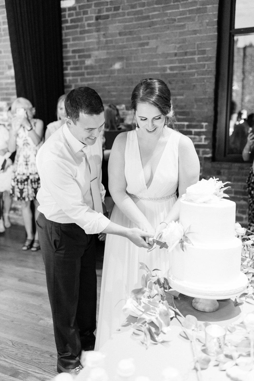 high-line-car-house-wedding-columbus-ohio-phootographer_0127.jpg