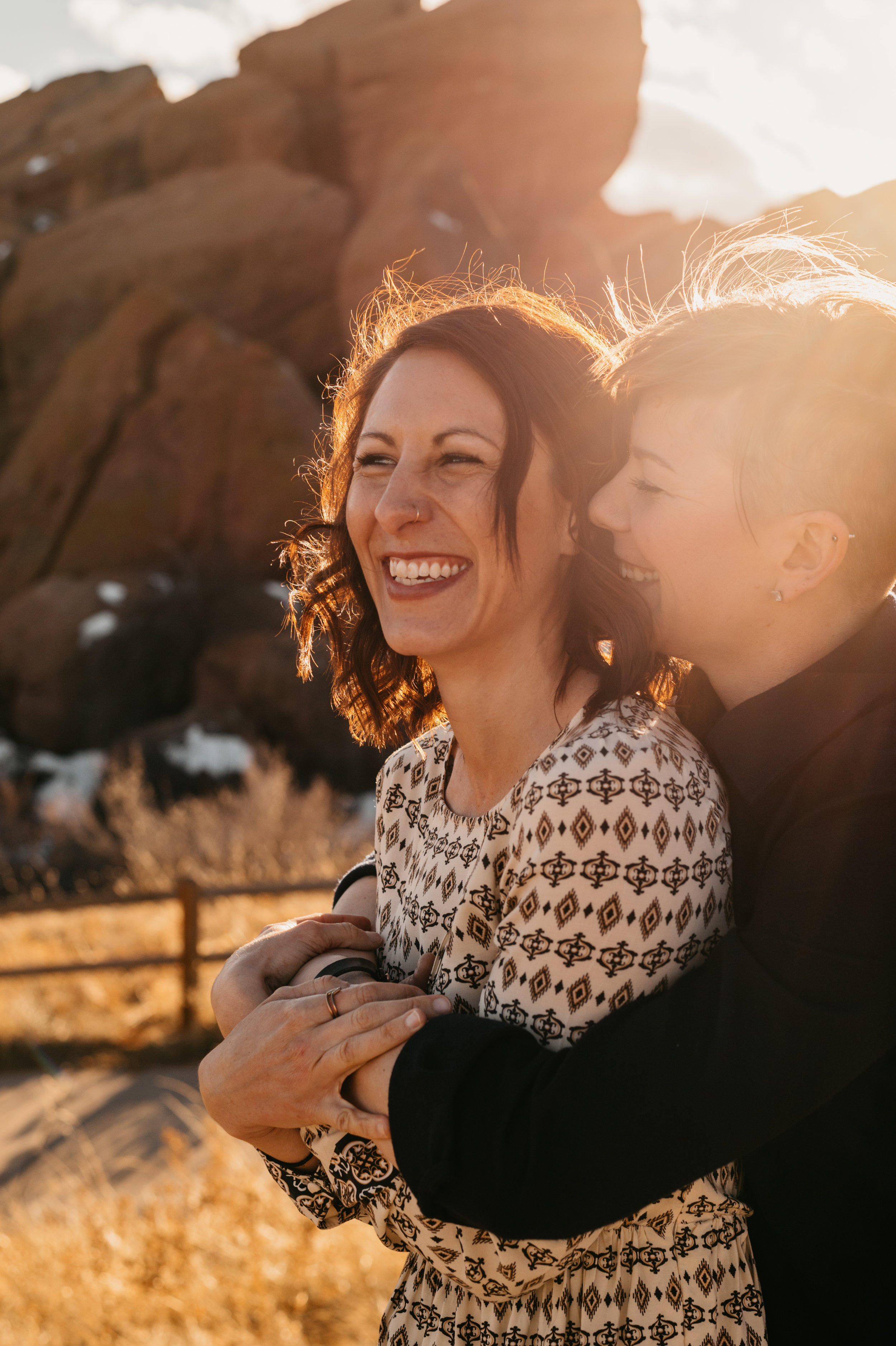 Red Rocks Couples Photos - Hey Sisters! Photography