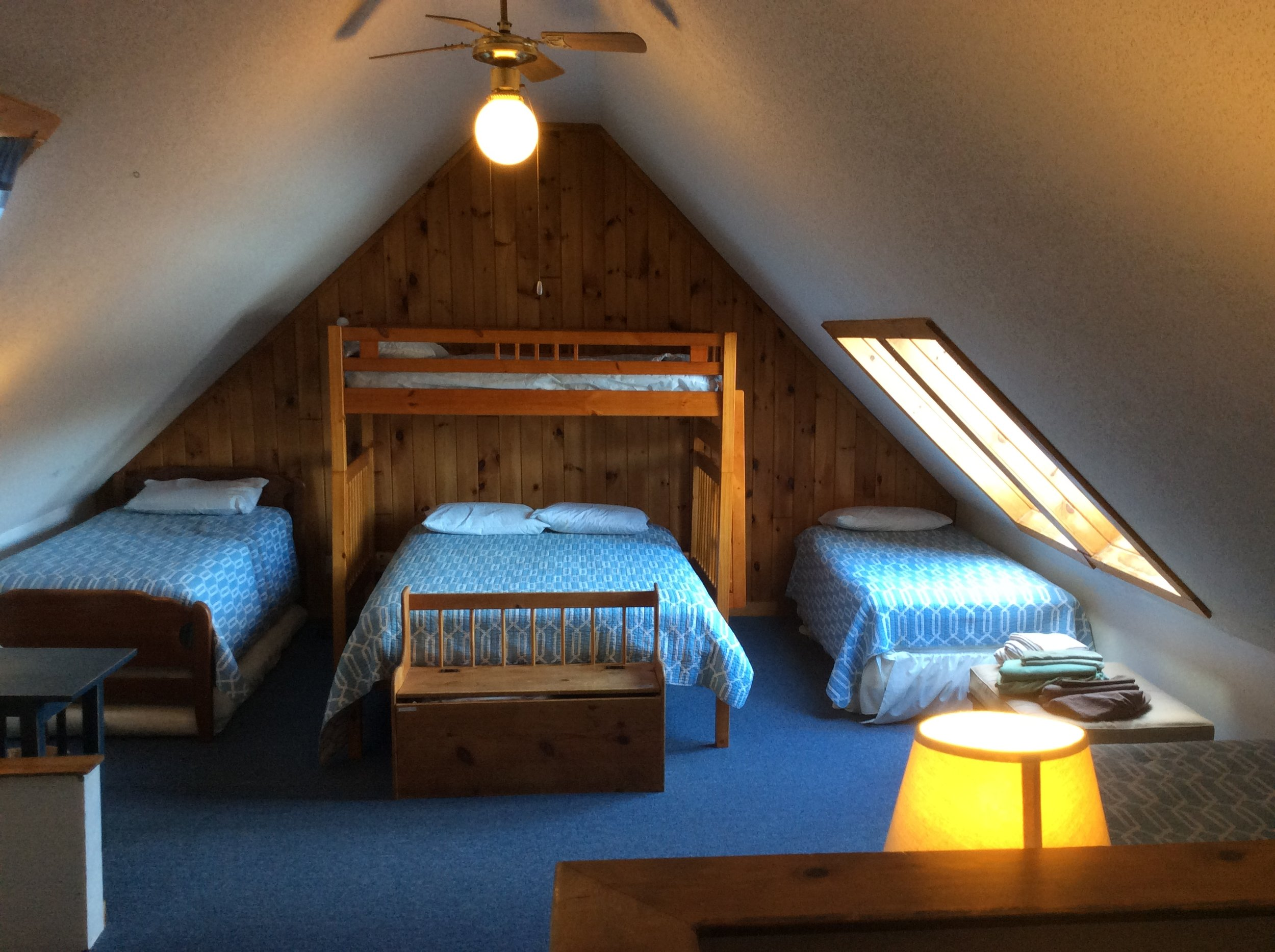 loft+room+2.JPG