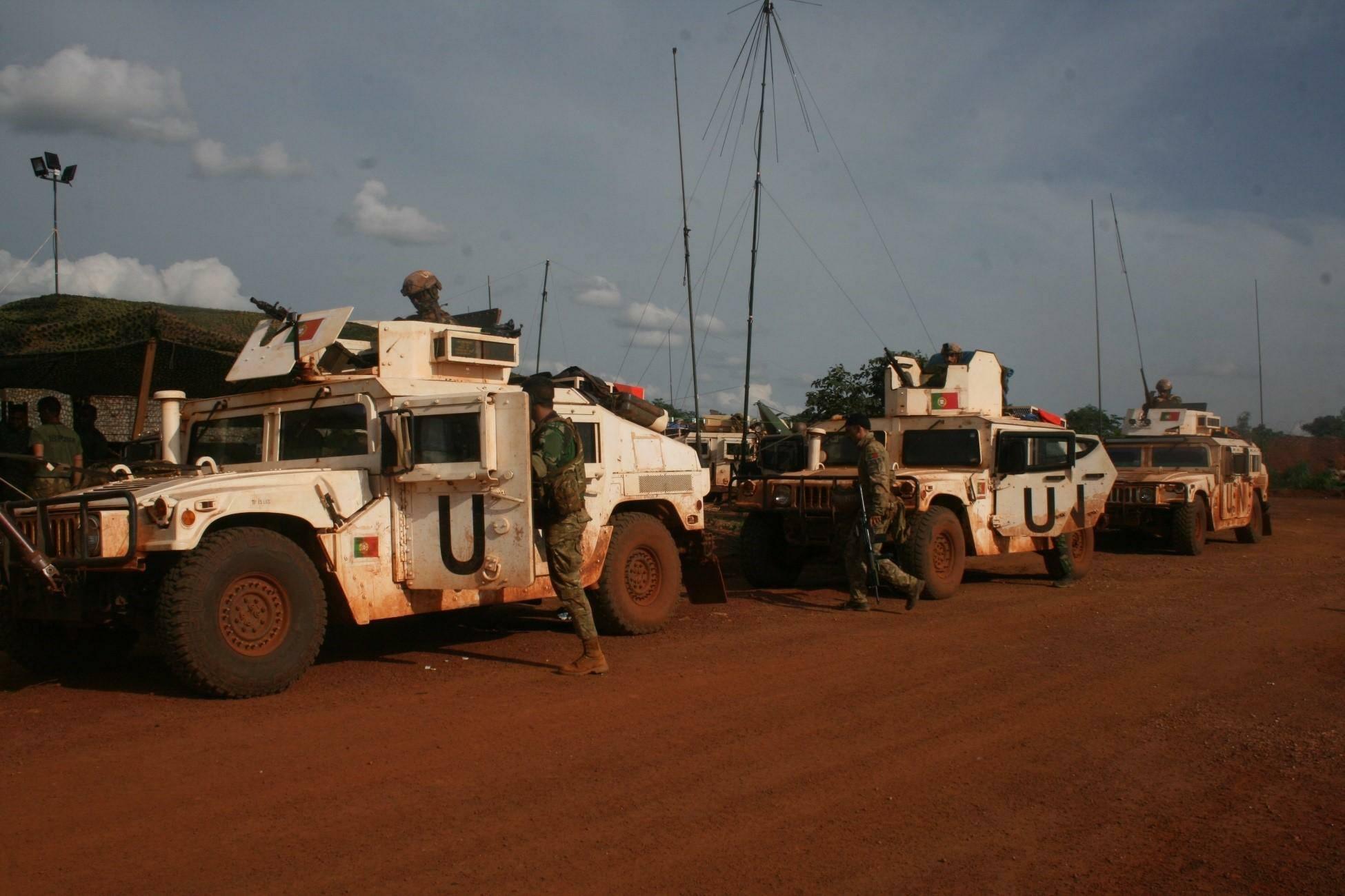Militares portugueses na República Centro Africana // Foto de artigo: TACP da Força Aérea Portuguesa // (c) EMGFA