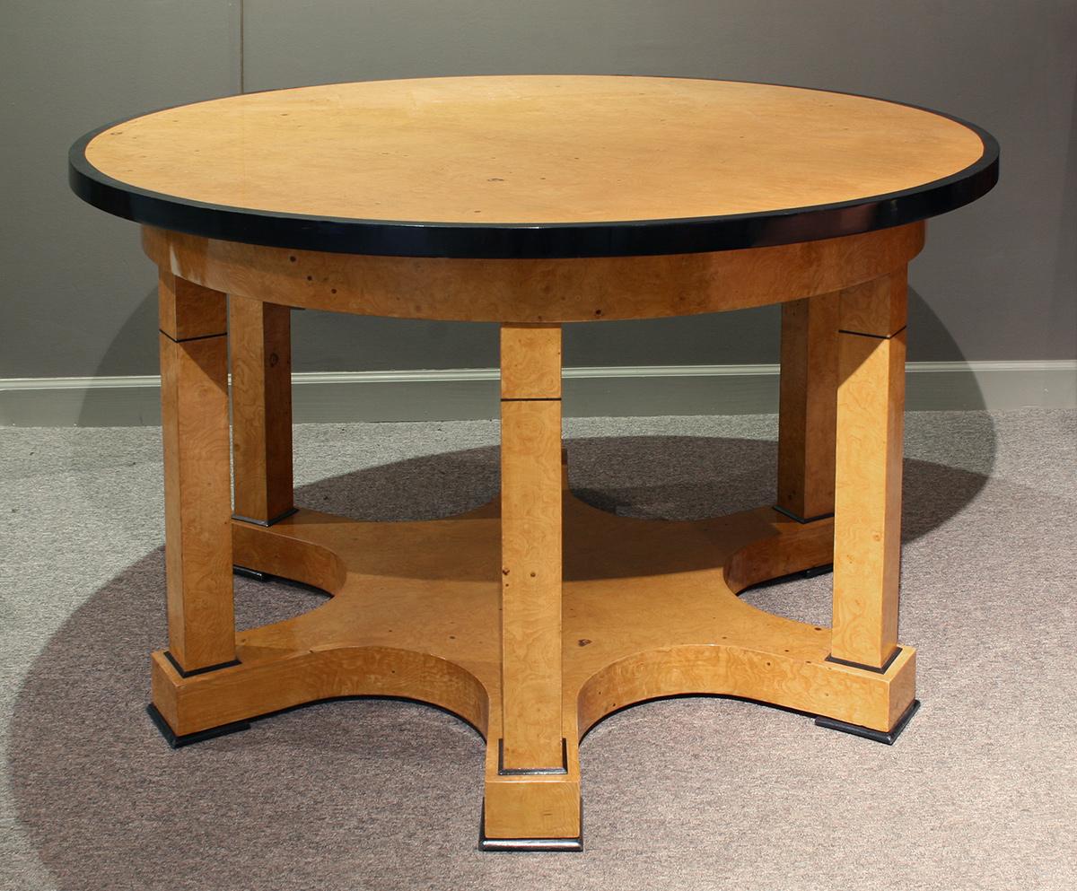 biedermeier_inspiered_table.jpg