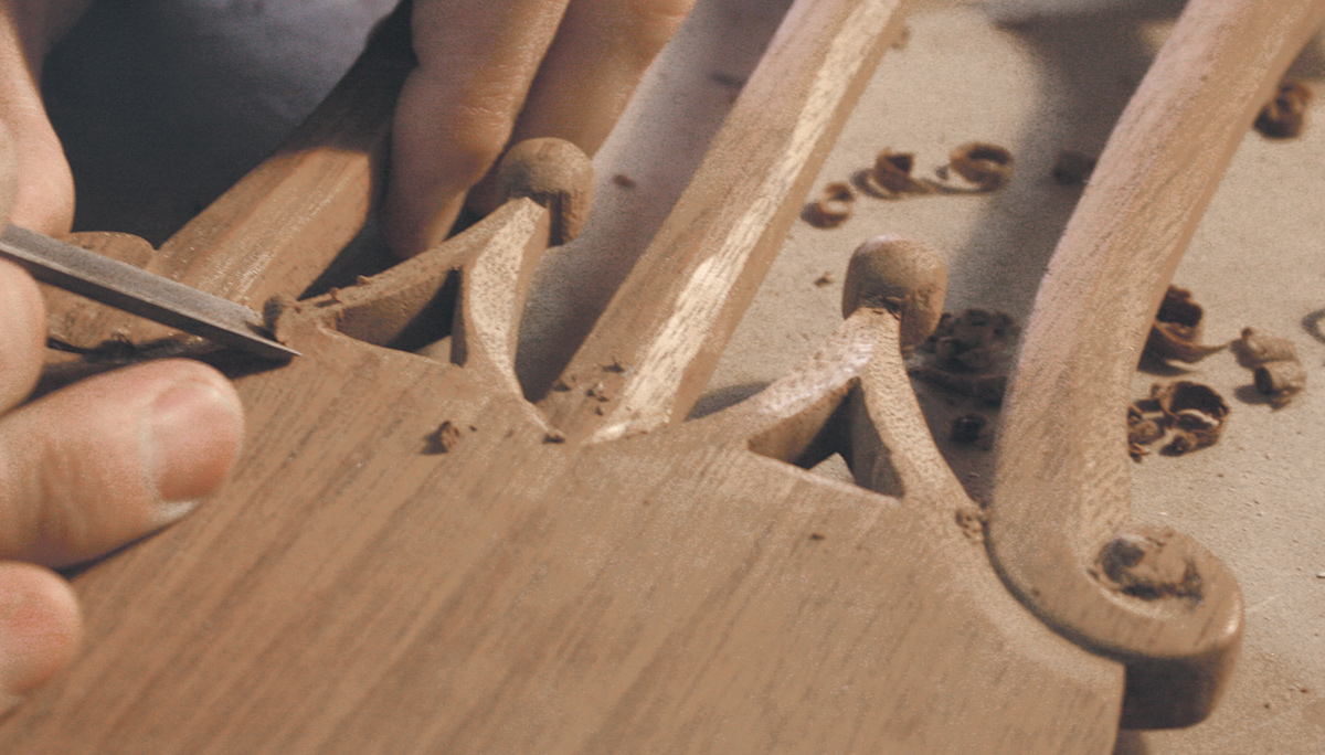 chippendale_chair_carving
