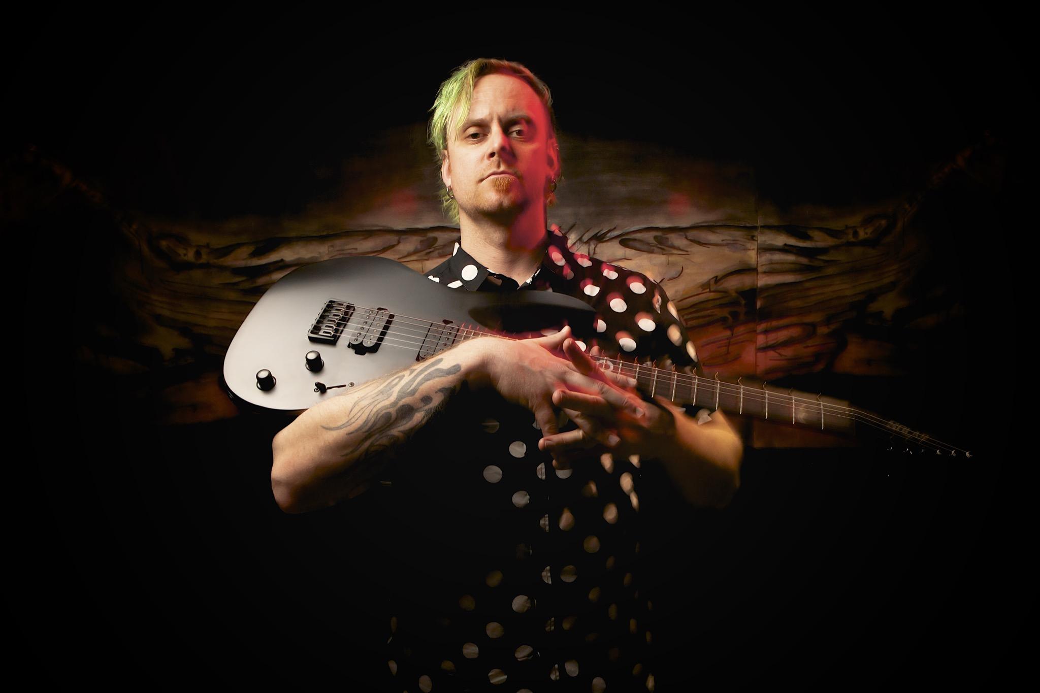 Solar Guitars X Henrik Linde_1.jpg