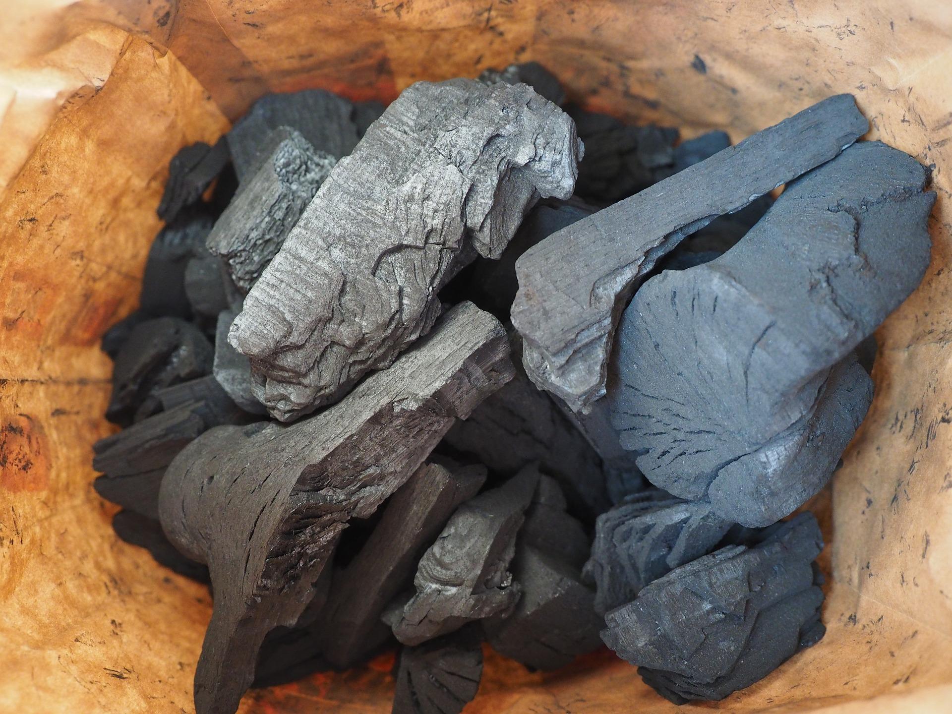 carbon-592598_1920.jpg