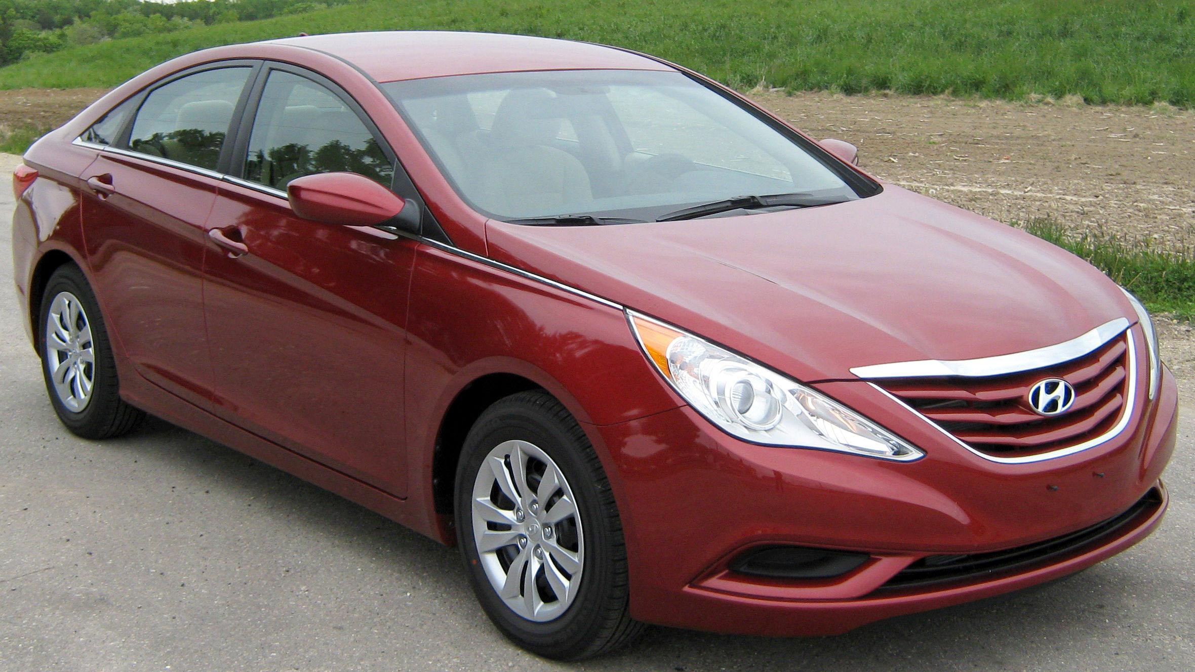 2011_Hyundai_Sonata_GLS_--_NHTSA_1.jpg