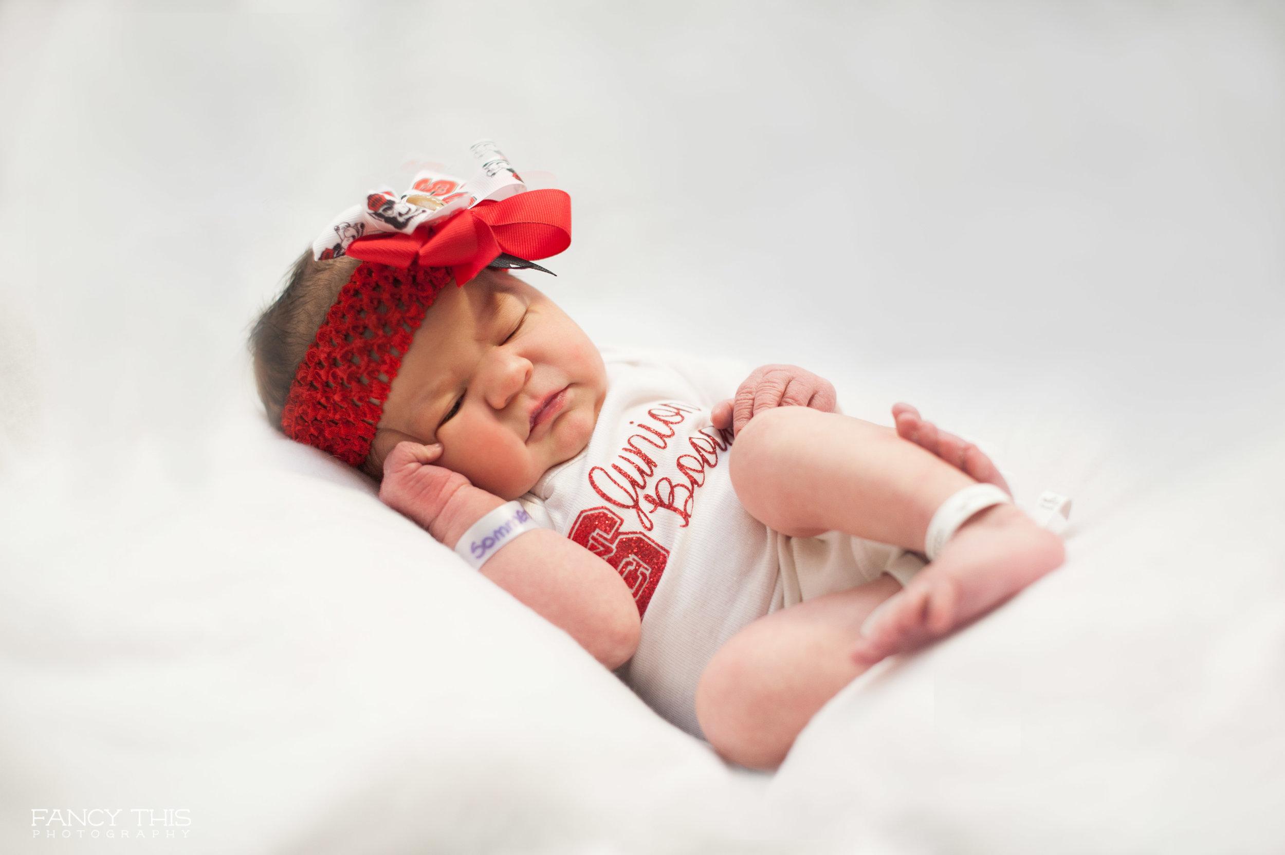 winnie_newborn_social-8.jpg