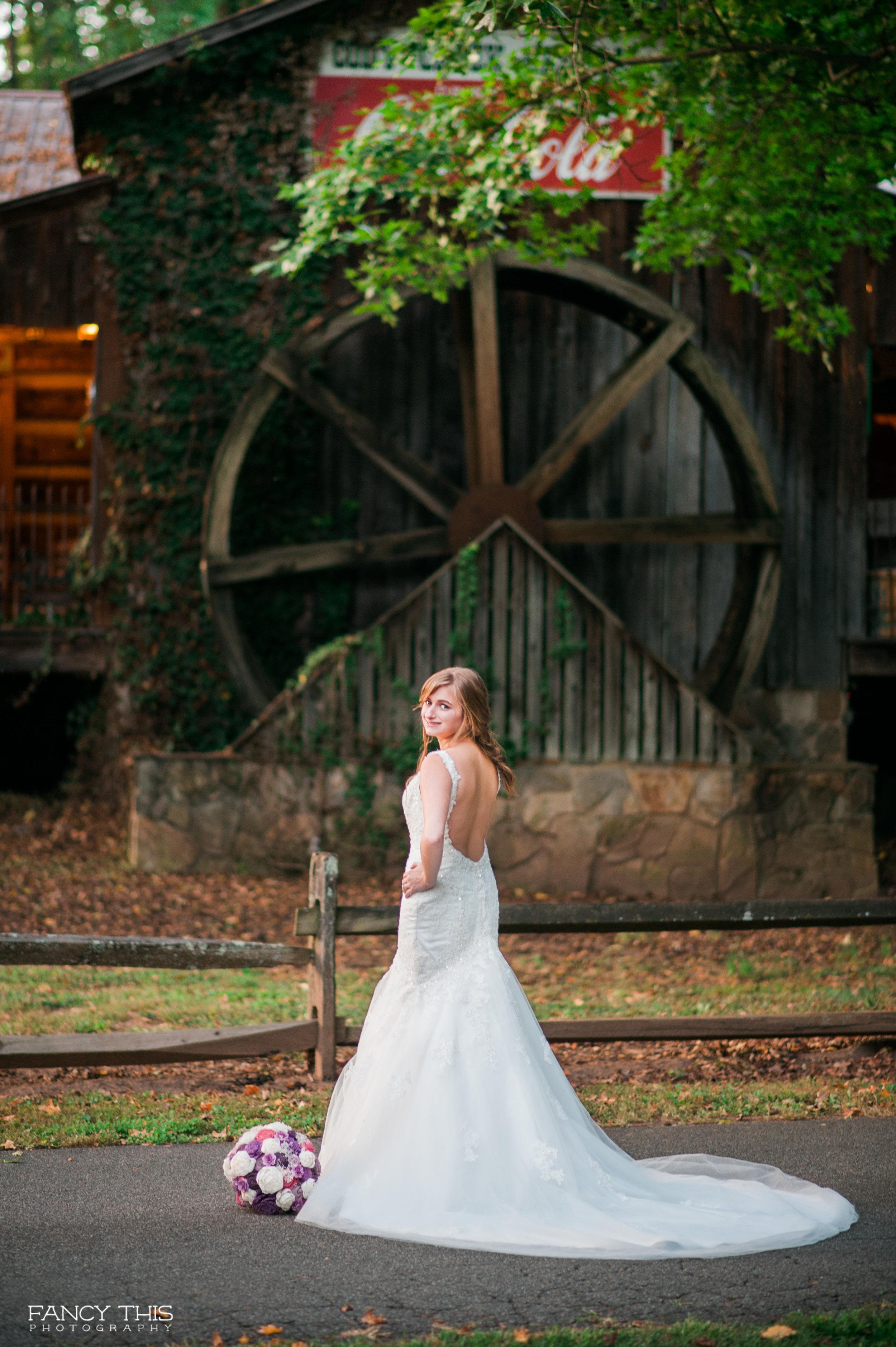carolsimchik_bridals_socialmediaready-48.jpg