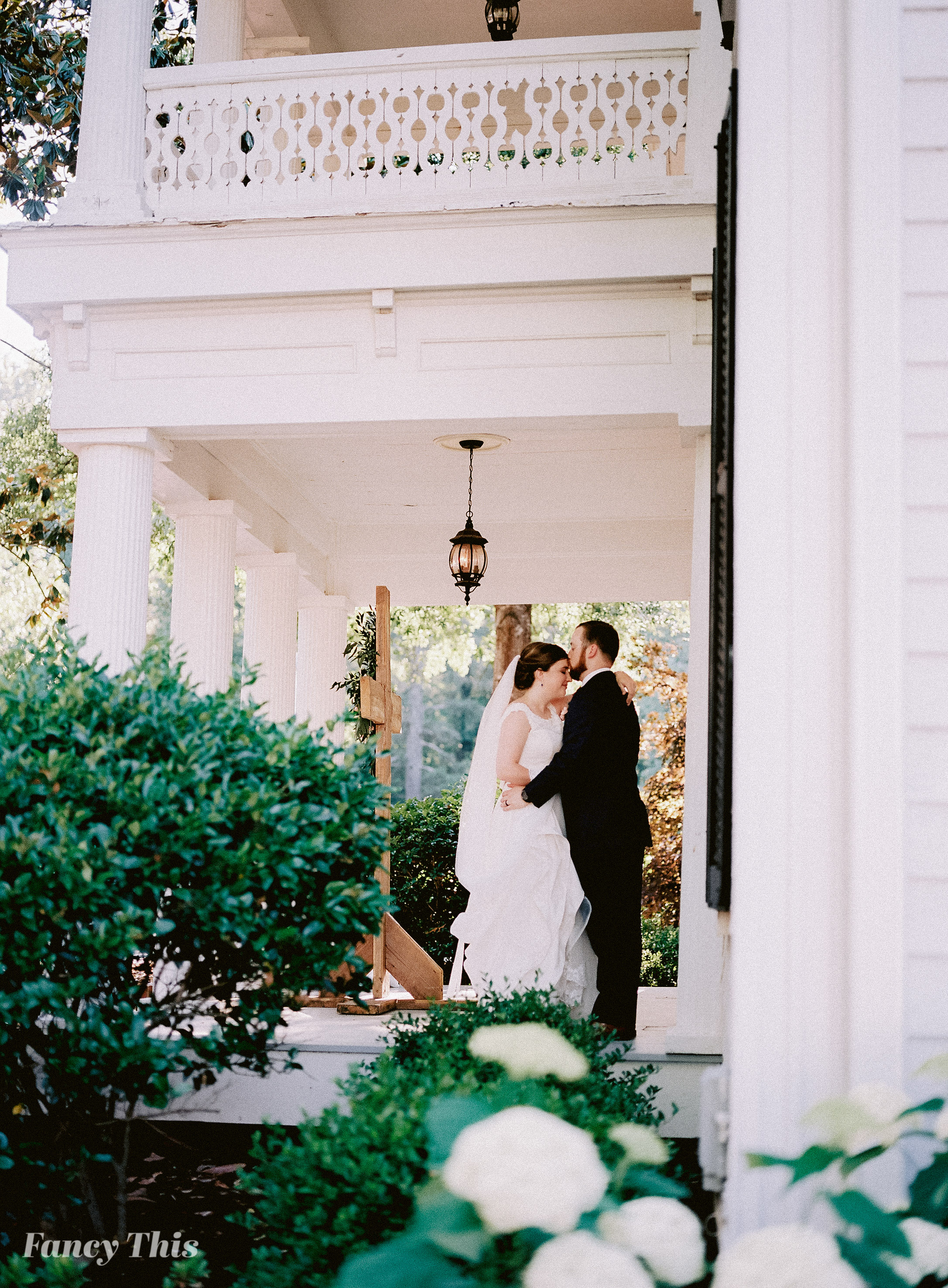 themimshousewedding_summerweddinginhollysprings_fancythis-414.jpg