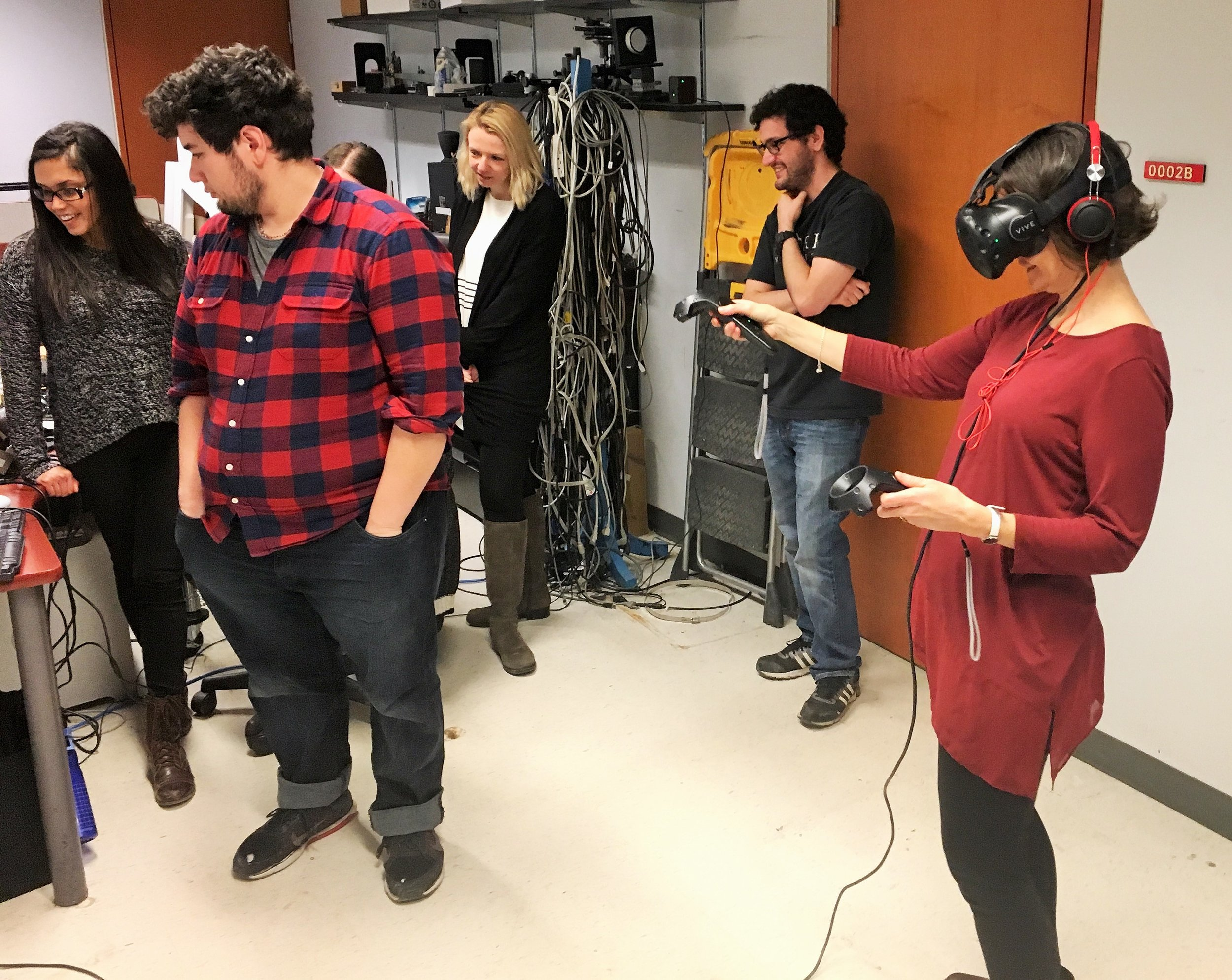 Having fun in the world of Virtual Reality.