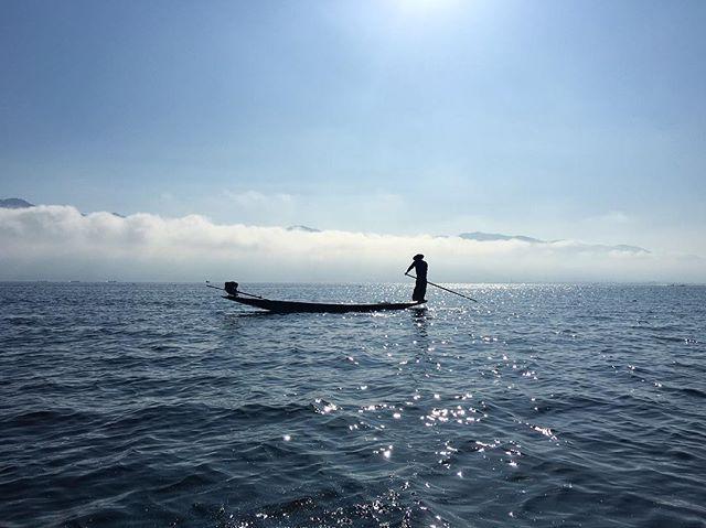 One of my favorite places!  #fishing #fisherman #myanmar #burma #burmese #inlelake #southeastasia #asia #mytravelgram #travelgram #travel #traveling #travelling #backpack #backpacking #natgeotravel #natgeo #boat #boatride #floatingmarket #exploring #longtailboat #tailboat #sham #lake #travelphotography #natgeotraveler #nikon @nikontop @nikonusa