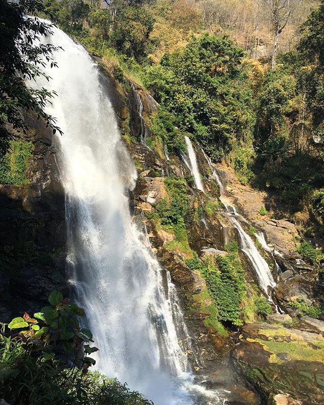 I'm a sucker for waterfalls! #waterfall #thai #thailand #chiangmai #doiinthanon #asia #southeastasia #travelgram #travel #mytravelgram #nature #naturaleza #rainbow #water #agua #outdoors