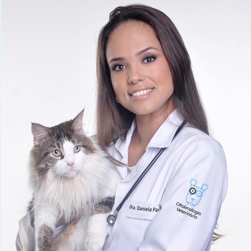 Daniela Paukowski  Médica Veterinária Oftalmologista e Geral