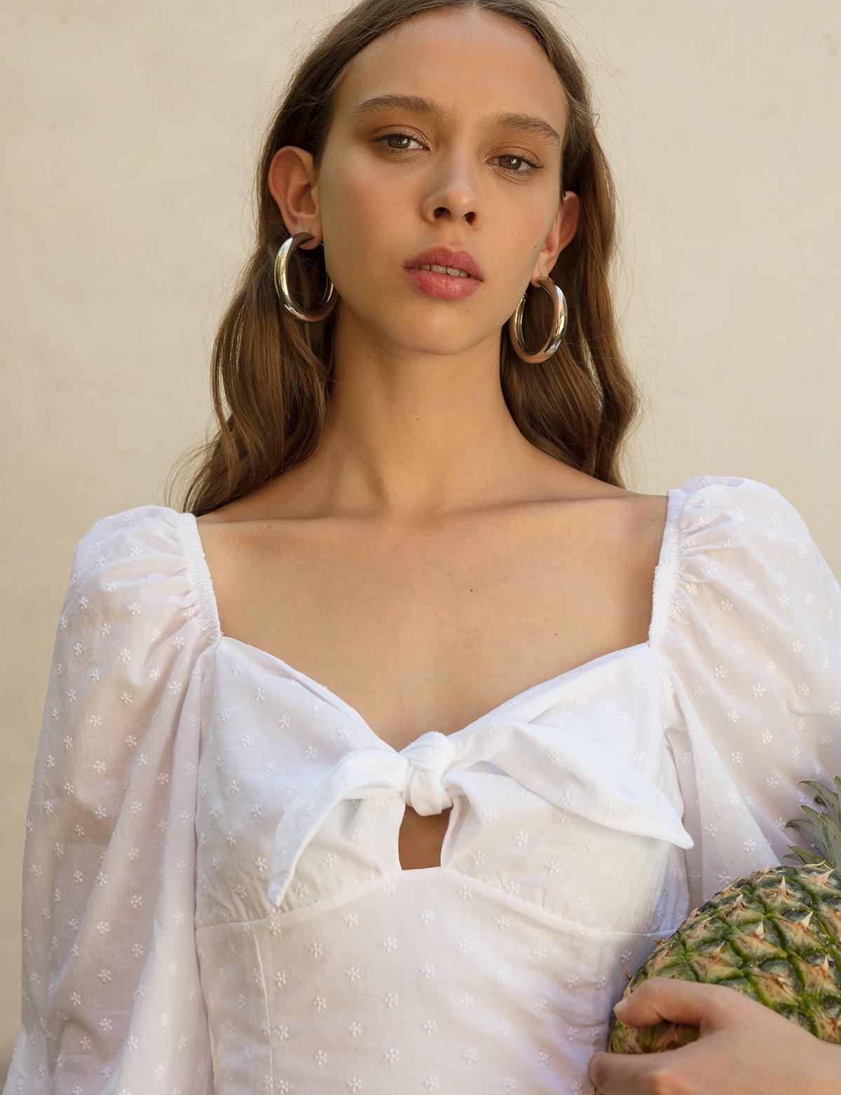 sweetheart-neckline-dress.jpg