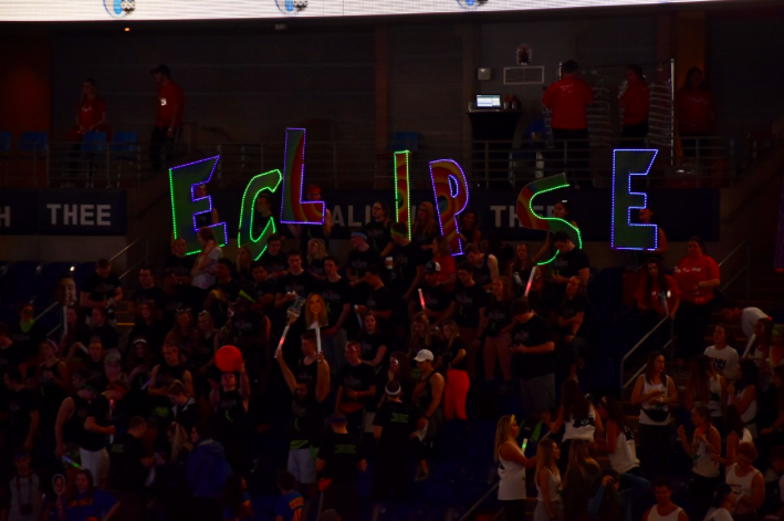 [Photo Story] Orgs Decorate BJC With Signs & Letters
