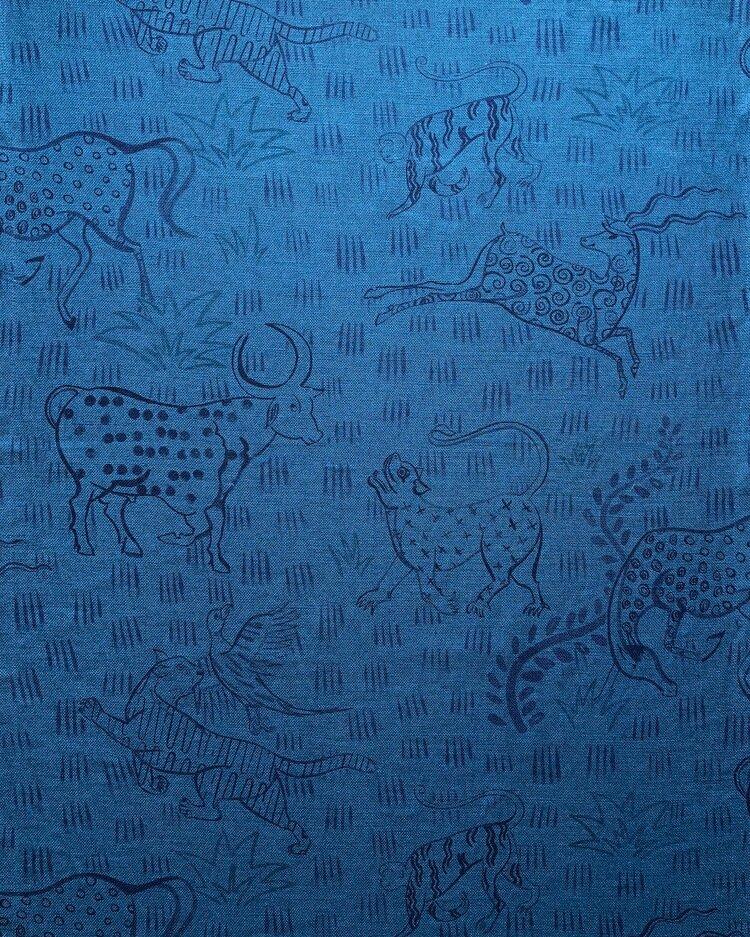 Jangalee on deep-dyed blue