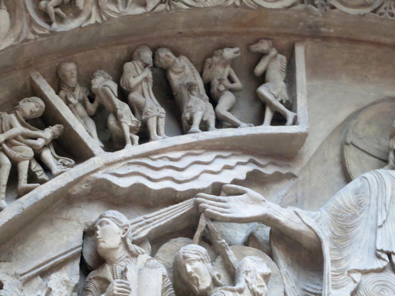 Palais de Chaillot, Vézelay Cynocephali.png