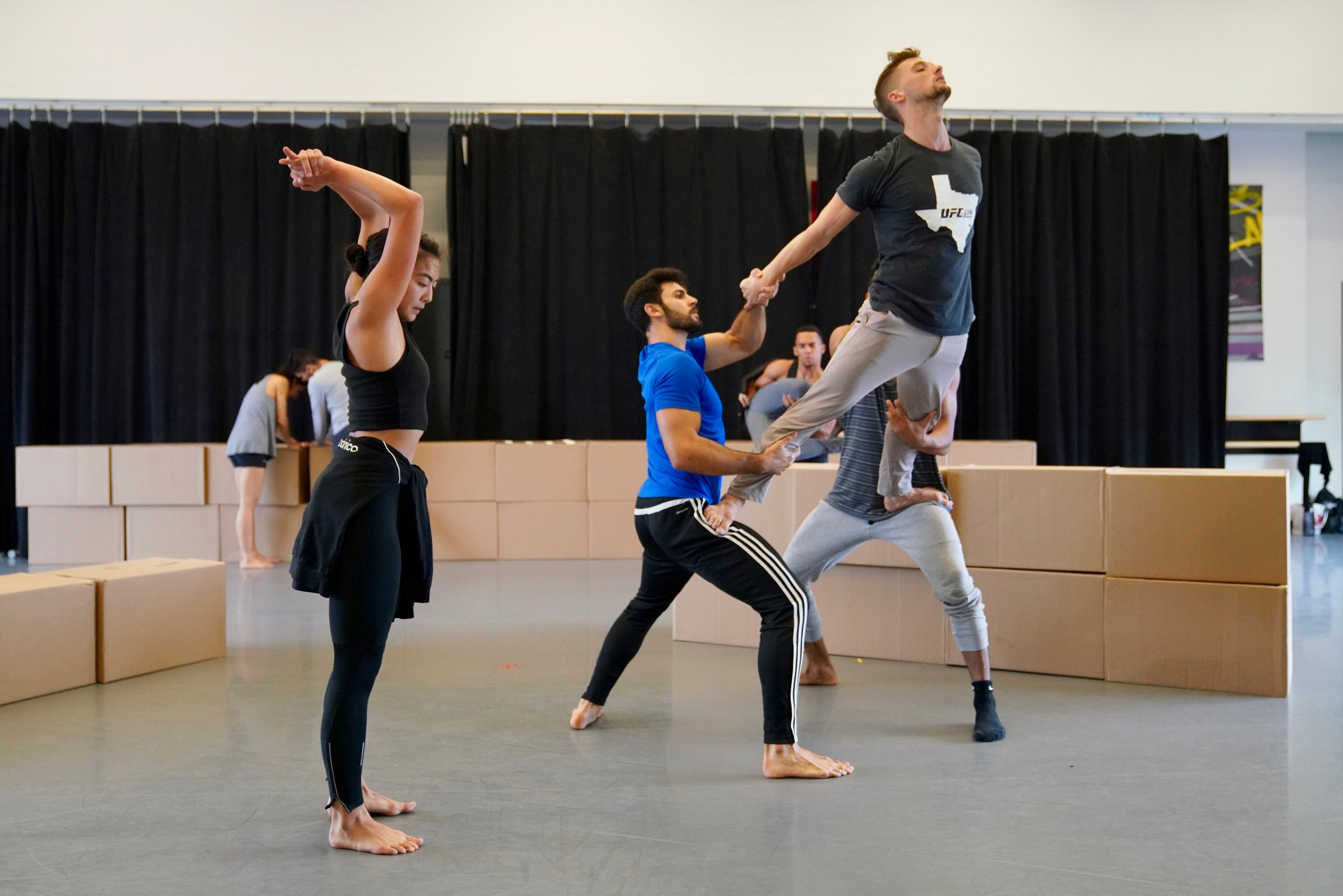 Ballet Hispánico rehearsing Bennyroyce Royon's  Homebound/Alaala.  Photo by Justin Chao.