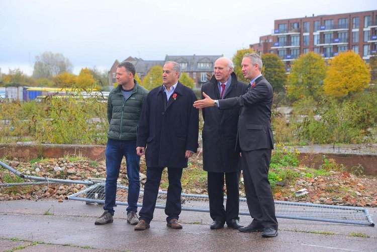Vince Cable, Leader of the Liberal Democrats, visiting the Firepool site in 2016. Showing him the problems we faced are Cllr Simon Nicholls (far left), Habib Farbahi (centre left) and Prospective Parliametary Candidate, Gideon Amos (far right)