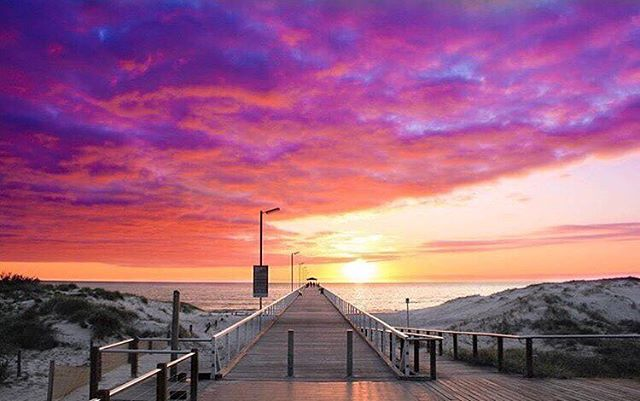 Get front row seats of amazing sunsets - only at The Grange Hotel! 🌊  #grange #grangehotel #beach #seaside #Adelaide #esplanade #meal #food #lunch #dinner #delicious #winning #summer