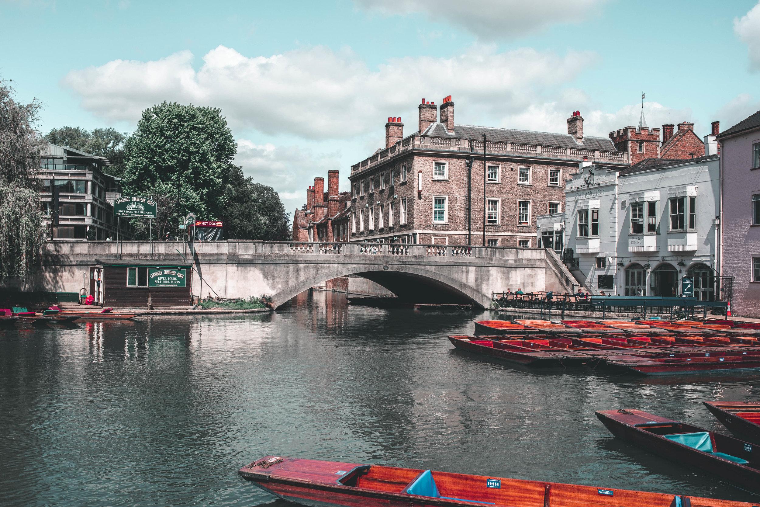 Cambridge lookin' divine!