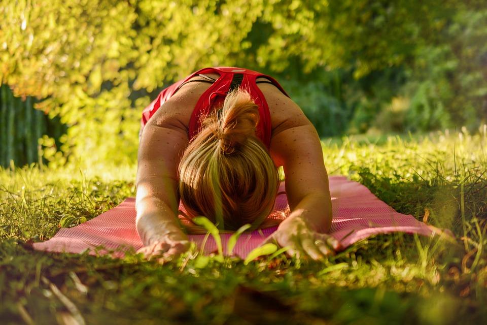 yoga-2662237_960_720.jpg