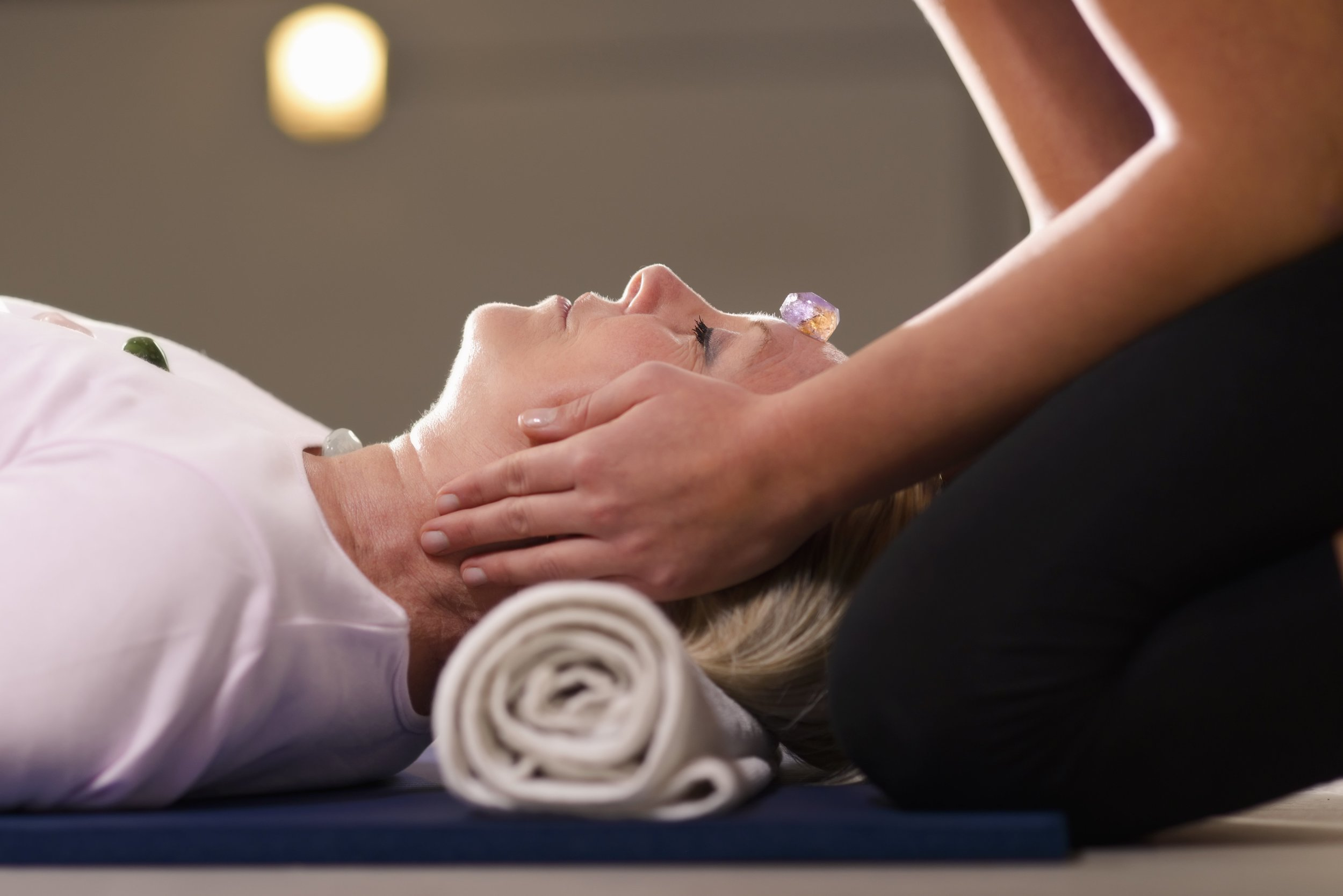 Crystal Massage - A biophotonic massage experience for your whole body using crystals and the Crystalline Web