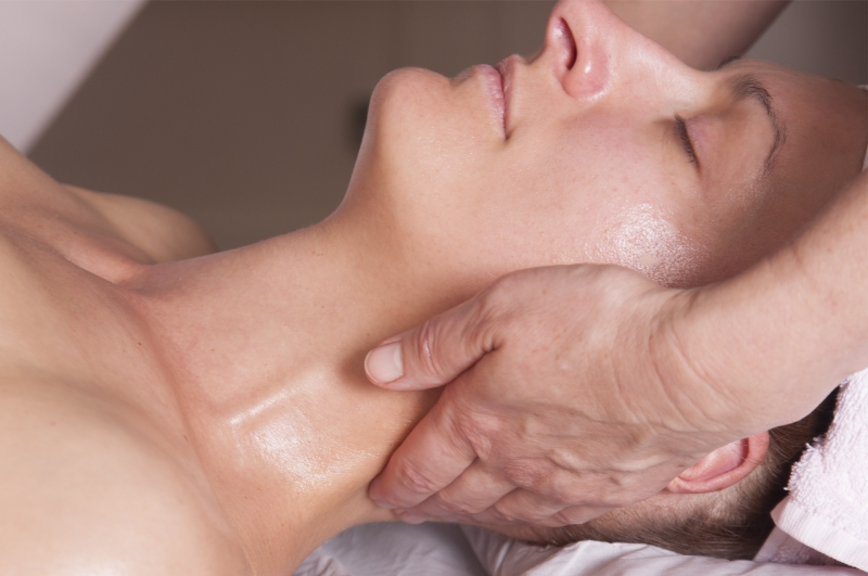 Japanese Rejuvenating Facial Massage at Haelan Therapy in Hitchin, Hertfordshire is a natural and non-invasive facelift