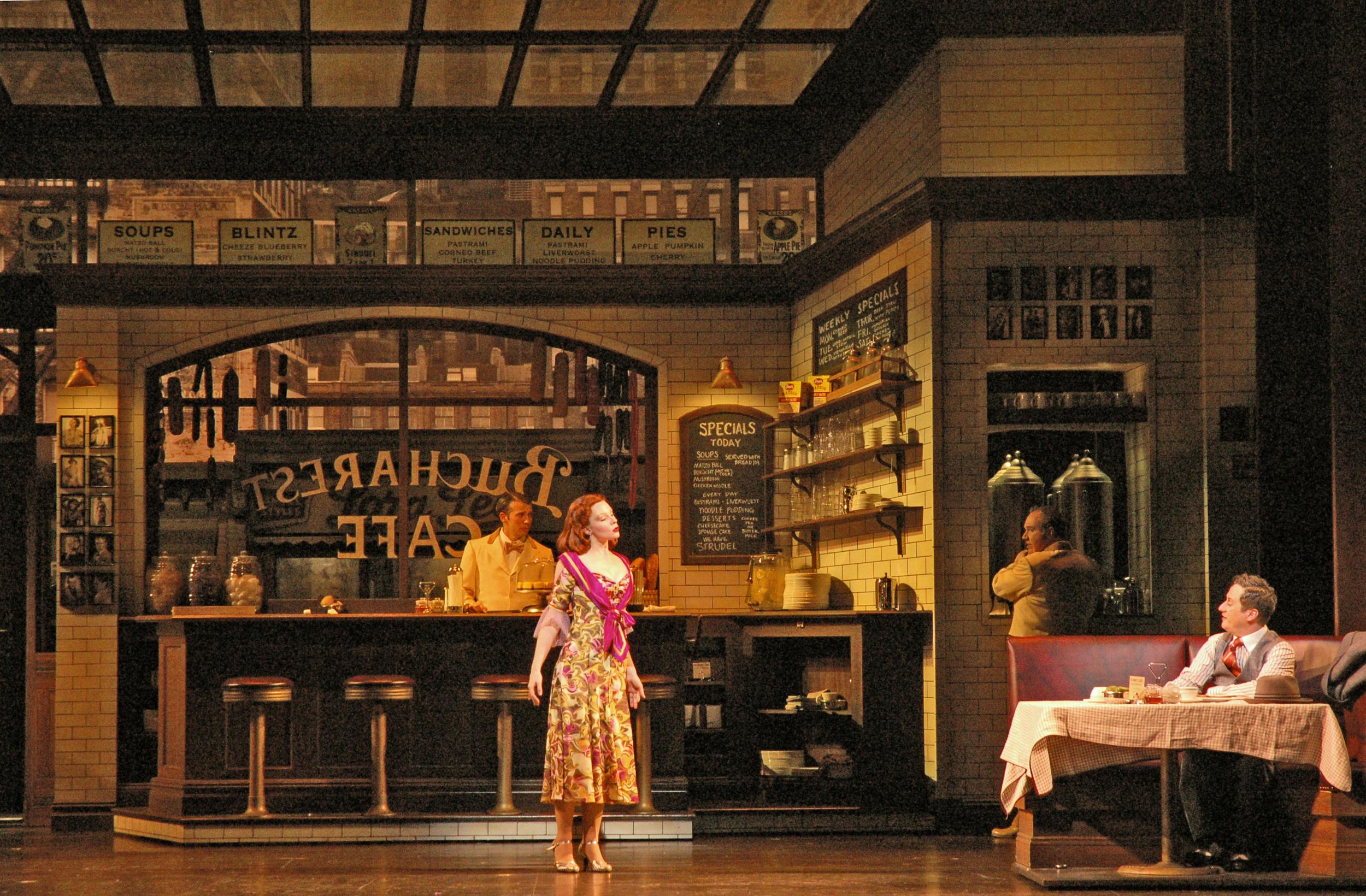 MINSKY Budapest Cafe 4.jpg