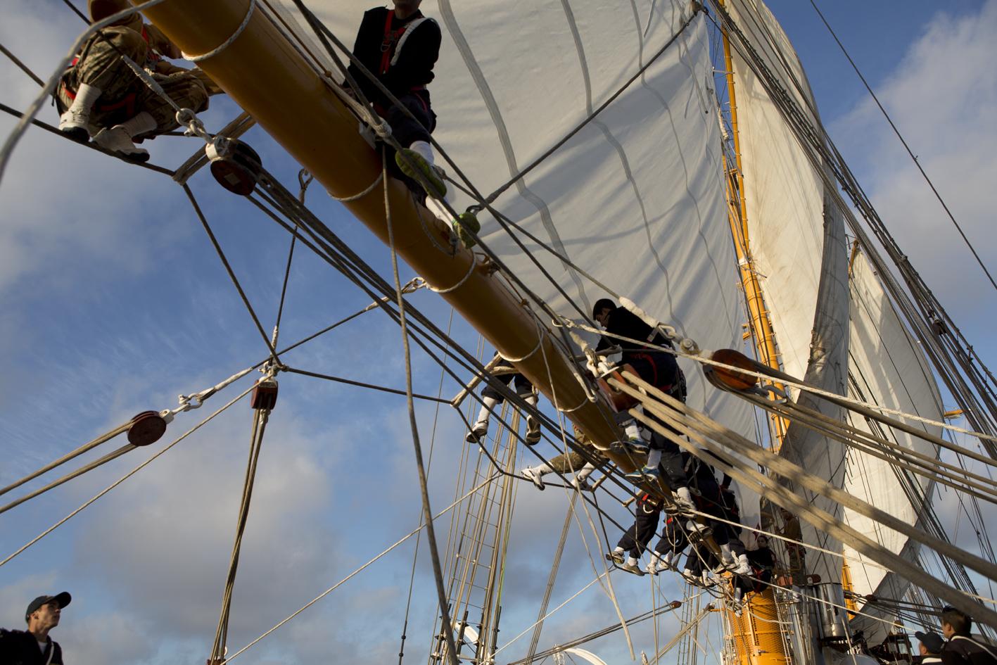 Buque Esmeralda, navegación a vela en el Océano Pacífico.   Esmeralda ship, sailing in the Pacific Ocean.