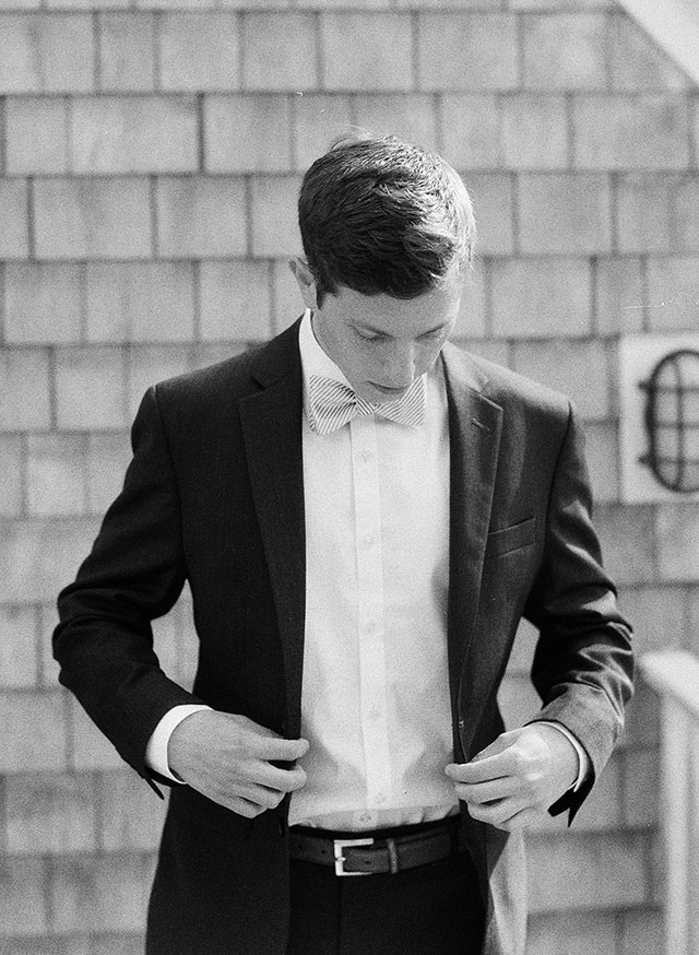classic cape wedding and groom getting ready - Sarah Der Photography