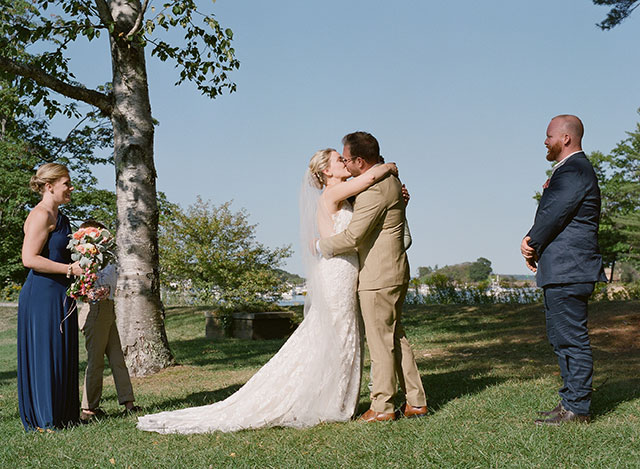couple is married - Sarah Der Photography