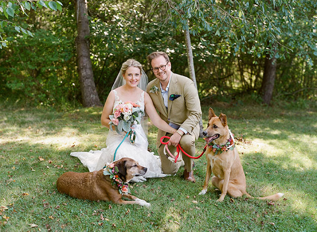 including your dogs in your wedding ceremony - Sarah Der Photography