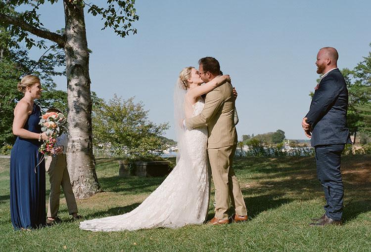couple kisses  - Sarah Der Photography