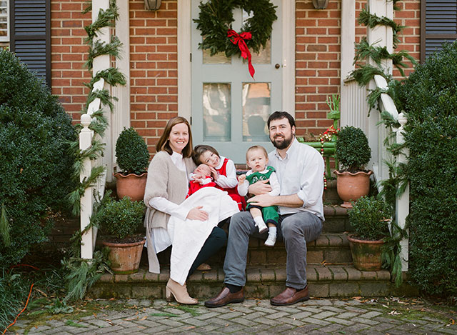 Christmas holiday family session by Sarah Der Photography