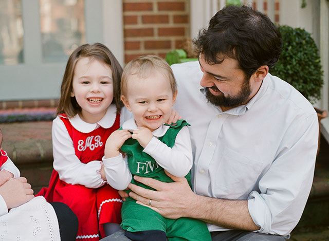 matching outfits for family photography session
