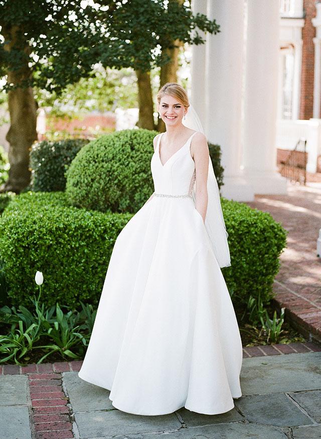 Country Club of Virginia bridal session shot on Fuji 400 film - Sarah Der Photography