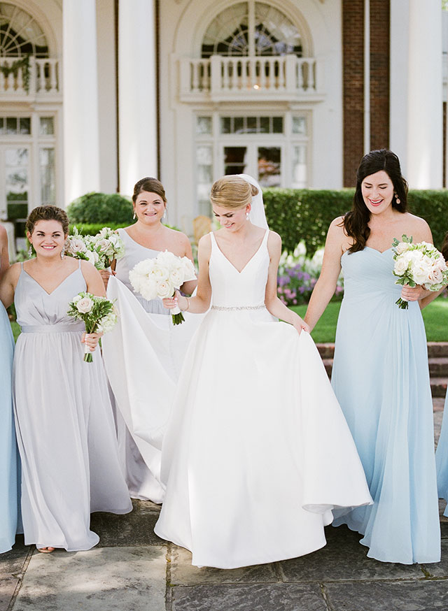 Bridal party photos in Country Club of VA courtyard by Sarah Der Photography