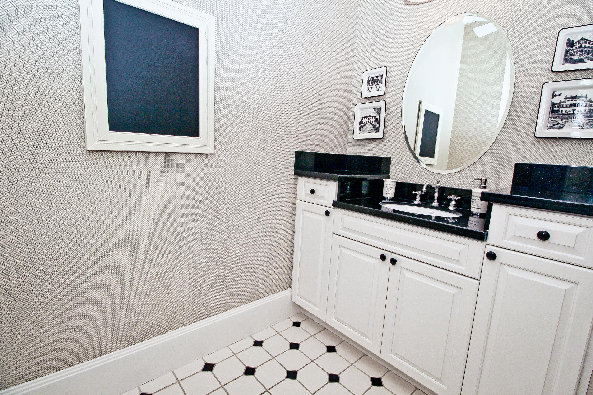 Guest-Bath_Brolio.jpg