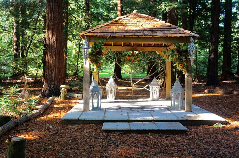 Two Woods' beautiful outside wedding area, this is just one spot in the huge 42 acre estate where Wed Fest will be held.