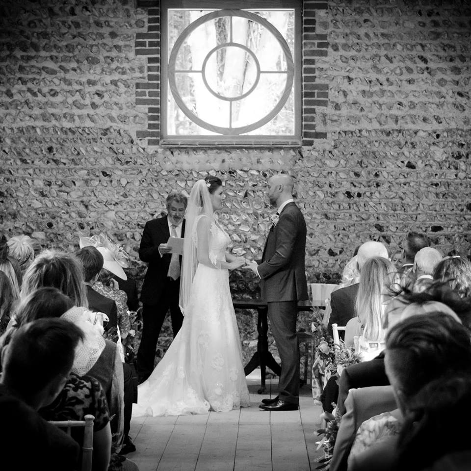 The ceremony bar - we just love the feature window!