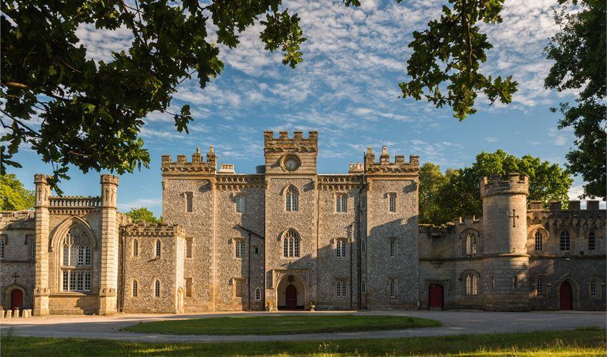 1523909656-536210915-castle-goring-worthing-wedding-show.jpeg