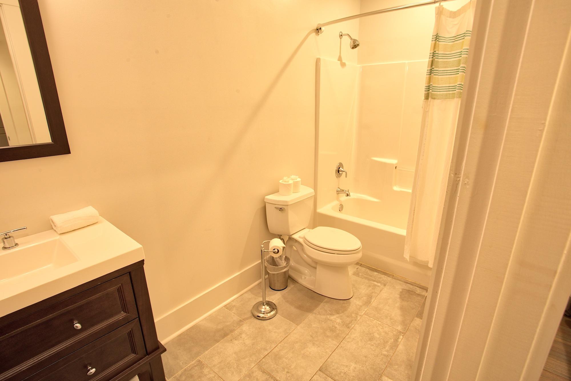 Suite on King Street Charleston SC Vacation Rental The Drayton Suite8.jpeg