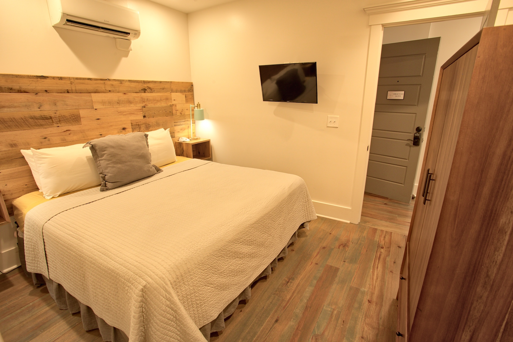 Suite on King Street Charleston SC Vacation Rental The Drayton Suite11.jpeg
