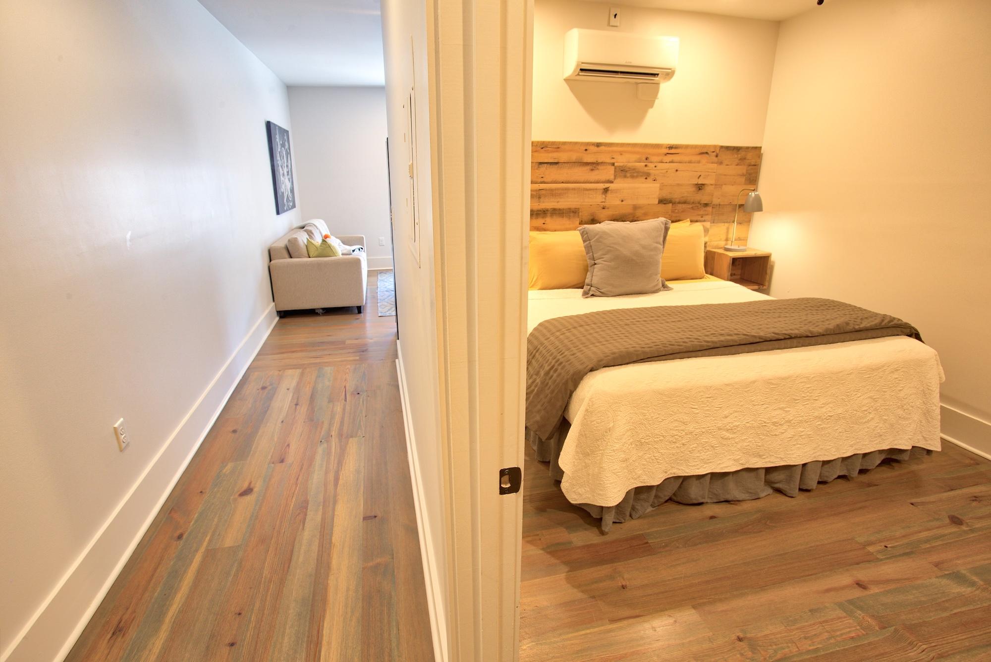Suite on King Street Charleston SC Vacation Rental The Drayton Suite12.jpeg